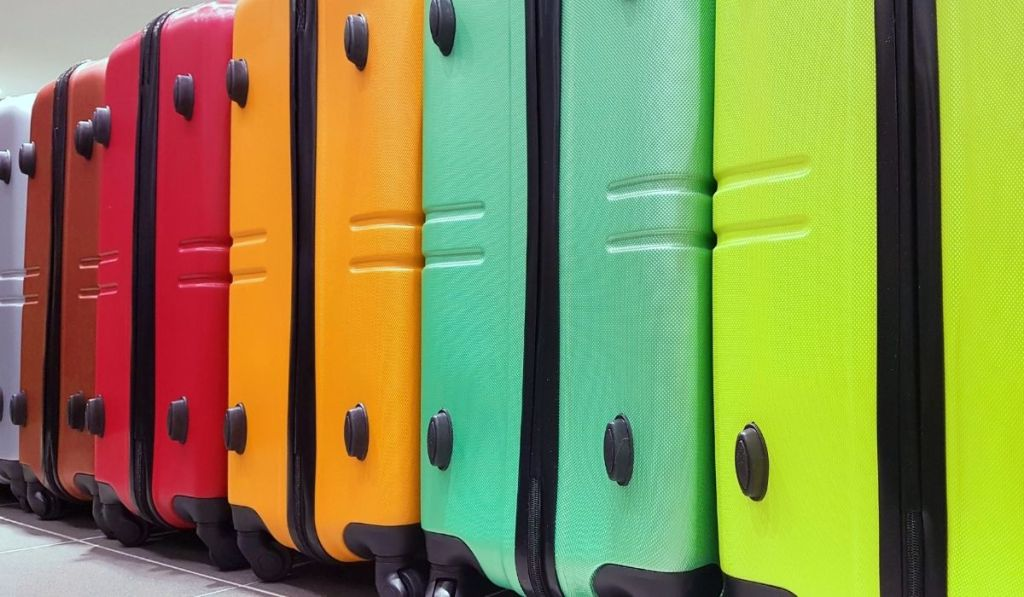 different color luggages
